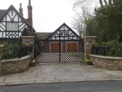 Bespoke Lattice Gates by Artistry