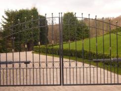 Bespoke Gates by Artistry